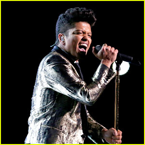 bruno-mars-super-bowl-halftime-show-2014-video-watch-now
